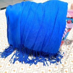 Blue winter shawl